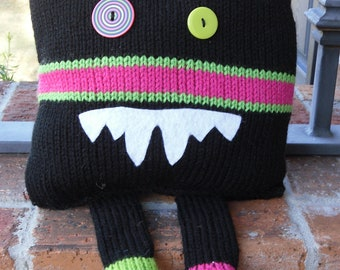 Rufus the Knitted Monster