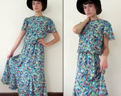 Vitnage ABSTRACT GRAPHIC Tulip Flared Hem Dress / Flutter Sleeves / M or M/L