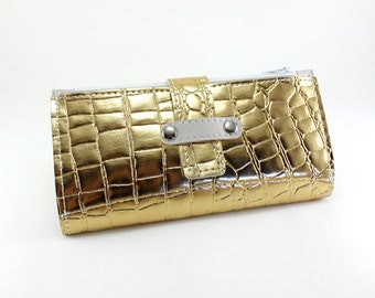 Golden Crocodile Lady Wallet - This one is for all you Glammy Ladies