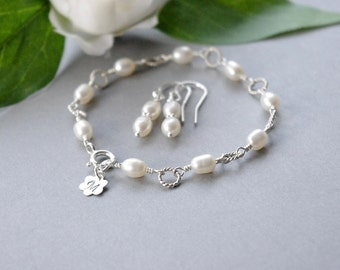 Jewerly Set Initial Pearl Bracelet and Earrings, June Birthstone Twisted Ring Stamped Silver Monogram Bracelet, Gift Idea Flower Girl