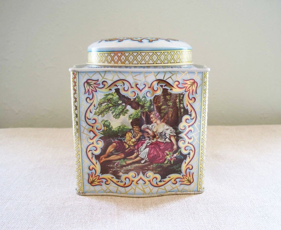 25 % Off Was 7.95 Vintage English Tin Container by DAHER, French Country Scenes