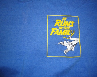 vintage tshirt RaY CooNEY 1992 IT RuNS IN tHE FaMILY shirt XL The Playhouse Theatre
