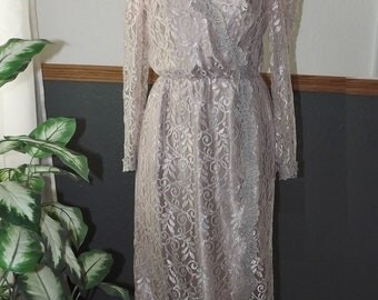 Vintage JCPenney floor-length lined crystal lace dress/MOB gown - size 12
