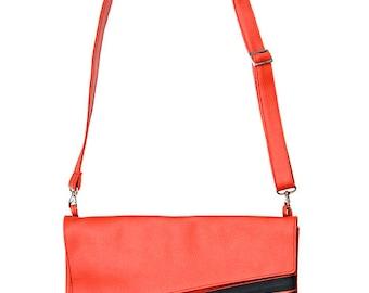 RED Messenger bag LAP TOP 13 across the shoulder Bag, Medium size student bag, Faux leather Vegan Clutch, Cruelty Free - Liri