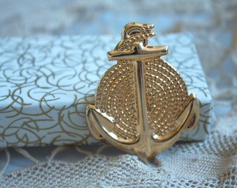 Vintage 1960s SAILOR Anchor and Rope BROOCH