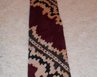 Original 1980s Mens Business Tie, WINE and cream, artistic, Giorgio Benelli, Silk, Hand Made in Italy. Atlantic City