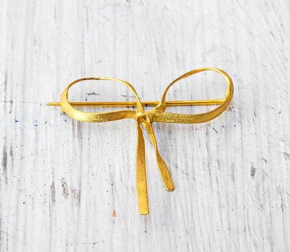 18k Yellow Gold Ribbon Brooch, Bow Brooch, Minimalist Brooch, Fine Eclectic Jewelry, Dainty Jewelry, Delicate Gold Brooch, Santorini Jewelry