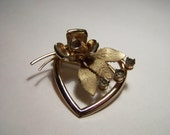 Vintage 1950s Gilt Brooch Heart Rose Crystal Rhinestones Jewellery