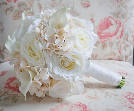 Shabby chic wedding bouquet ivory rose ranunculus by for Bouquet chic