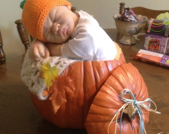 Infant 3 to 6 month Baby Pumpkin hat