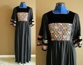 "Vicky Vaughn Black & Floral Dress, 37"" bust, 32"" waist, size 11"