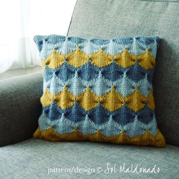 Knit decorative Pillow pattern/ tutorial PDF Geometric
