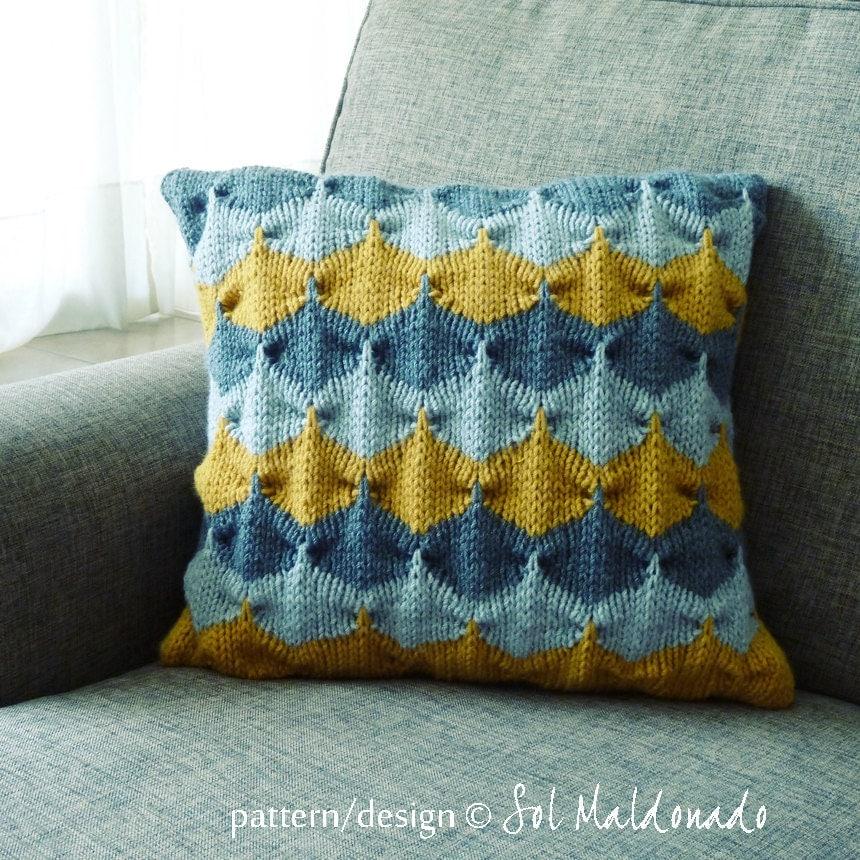 Knit decorative Pillow pattern/ tutorial PDF Geometric