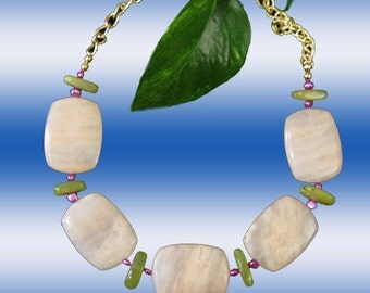 Peach Rose Pink Aventurine Gems Green Jade And Pearls Link Chain Trendy Necklace