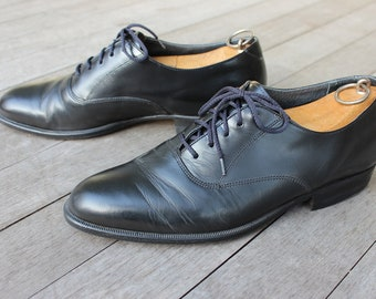vintage 1970's Men's Plain Toe Derby shoes. Satin Black -near 'NEW'. Size 9 1/2 D. Czechoslovakia