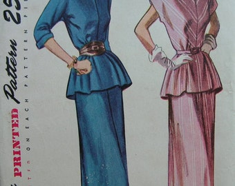 Fabulous Vintage 40's Misses TWO-PIECE SUIT Pattern Factory Folded