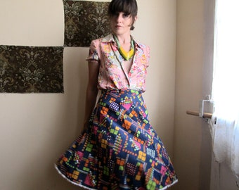 8 bit. vintage geometric colorful cotton skirt. high waisted. size small