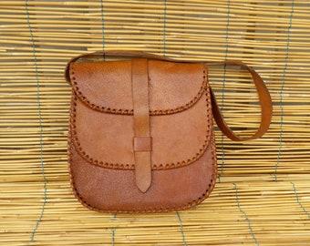 Vintage Lady's 1970's Medium Size Brown Leather Shoulder Strap Bag