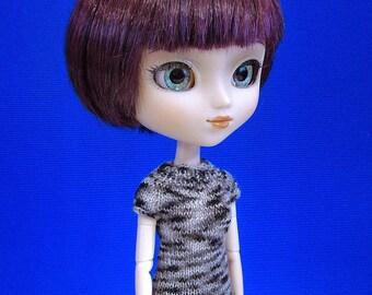 Hand knit doll top for: Pullip, Blythe, Momoko, 27 cm Obitsu...