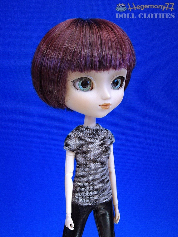 Hand knitted doll top for: Pullip, Blythe, Momoko, 27 cm Obitsu...