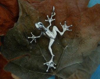 Frog charm or pendant in Sterling Silver
