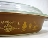 Pyrex Gold Leaf Early American Pattern Brown Cinderella Divided Serving Dish With Clear Lid 1950's Vintage