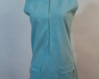 Sporty blue tennis dress with cool O ring zippers