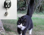 Immortalise Your Cat in Glass, Custom Quirky Cat Pendant or stick pin brooch, 1 Cat, One of a kind, Handmade Lampworked Glass