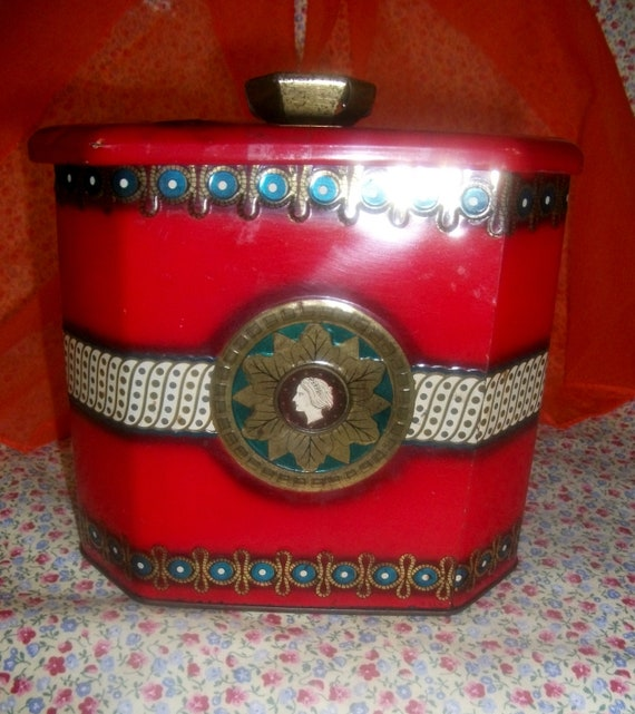 Vintage Baret Ware Tobacco Tin with Raised Details Made In England Only 10 USD