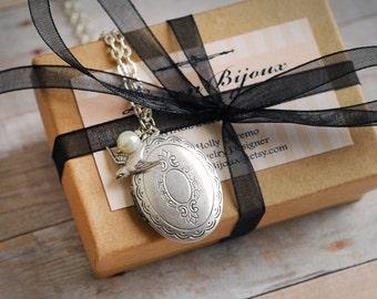 Bridesmaid Gift Bridesmaid Jewelry Bridesmaid Necklace Bridal Accessories Jewelry Silver Locket Wedding Gift