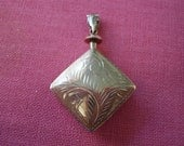 Old English Sterling Silver Double Sided Engraved Perfume Flask Pendant