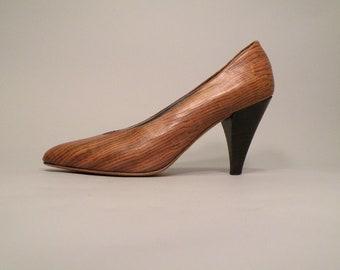 20% OFF:  Vintage Brown Wood Grain Shoes Snake Skin Shoes Brown Heels Tan Heels Tan Pumps Wood Grain Heels Snake Skin Heels Size 6.5 Si