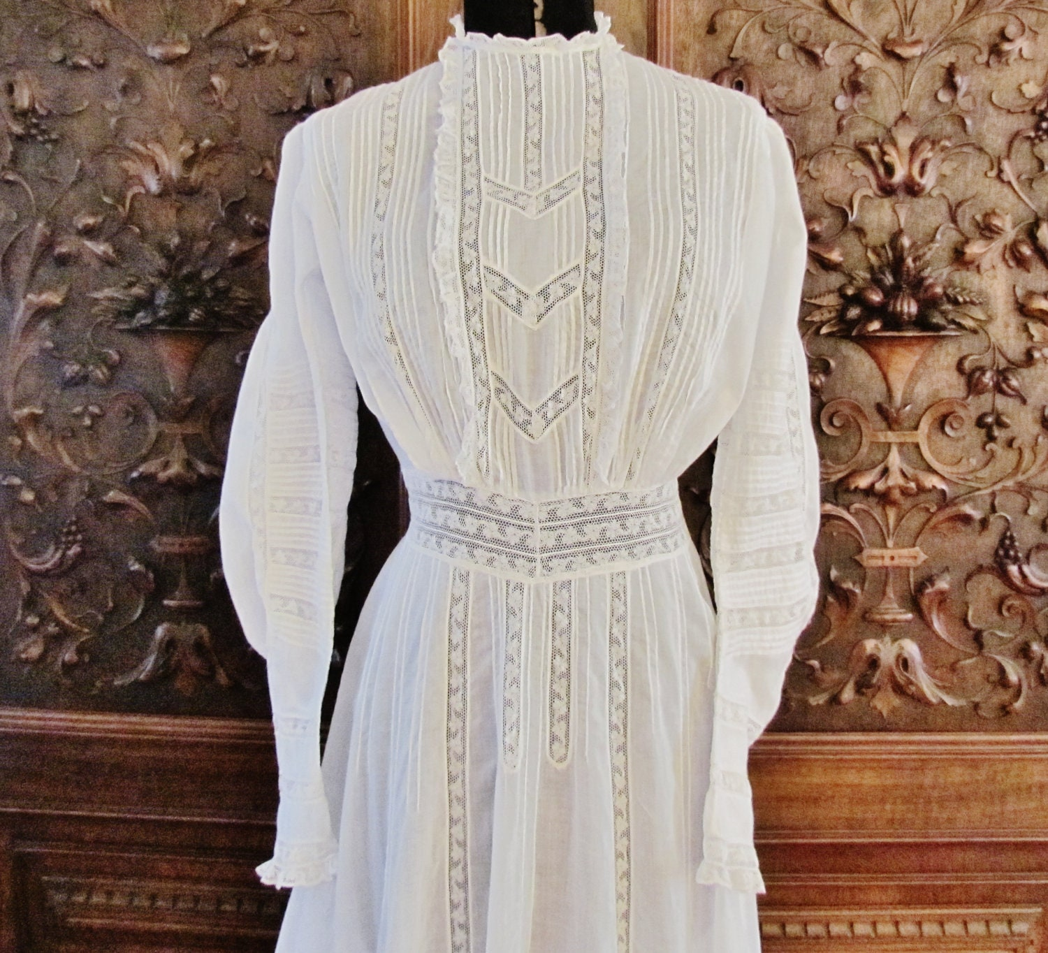 Vintage White Lawn Dress Early 1900's Dress With Lace