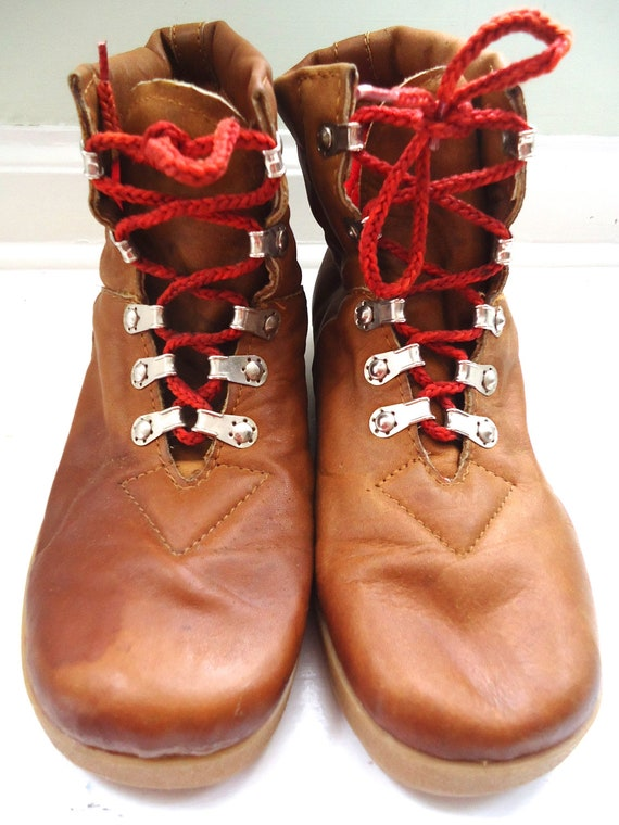 Perfect  Lace Up Hiking Boots With Red Laces  Men39s Sz 65  Women39s Sz 8