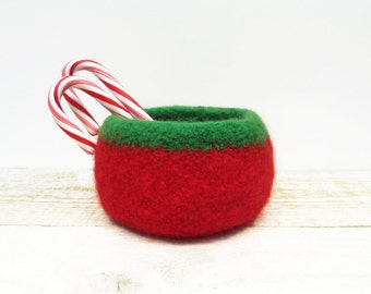 Felted Bowl, Red and Green Holiday Bowl, Holiday Decor, Candy bowl, Hostess Gift, Teacher Gift, Knitted bowl, Holiday Gifts, Gift Under 20