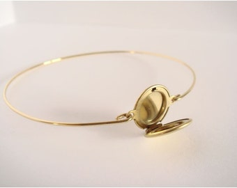 Locket bracelet - Gold locket bangle - Minimalist jewelry - Everyday jewelry - Gold Bangle