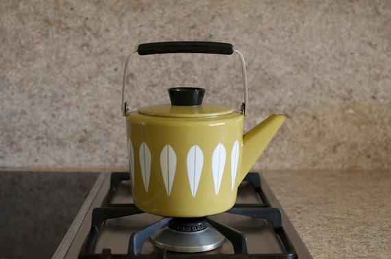 Vintage Cathrineholm Enamelware Lotus Design Teapot - Mustard Green & White