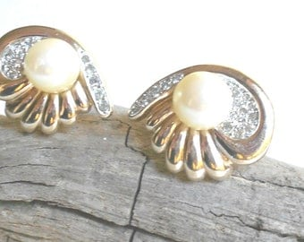 Vintage designer signed Panetta Pearl earrings, Bridal jewelry, vintage Rhinestone earrings