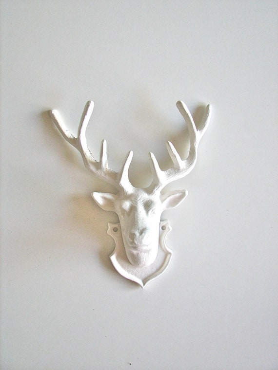 White Deer Head Cast Iron painted in white wall mount