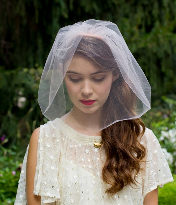 Elegant Single Layer Chin length Blusher Veil Blush / light pink White or Ivory