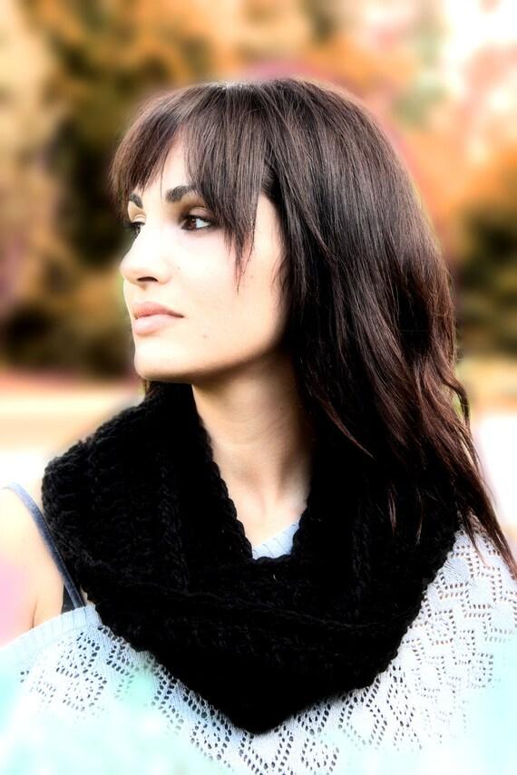 Black crochet infinity scarf, soft crochet cowl , neck warmer , trendy scarf