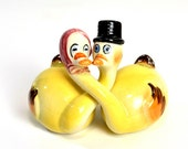 Geese Salt & Pepper Shakers - Him and Her Romantic Hugging Necks Set, Yellow Hand Painted, Japan - Vintage Home Decor or Kitchen Use
