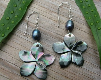 Plumeria Earrings, Mother of Pearl Plumeria, Shell Plumeria, Hawaii Flower Earrings, Frangipani, Hawaiian Jewelry, Black Pearl Earrings