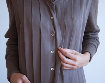SALE~ take 20% off ~ CHANEL Brown silk and cashmere skirt and shirt set