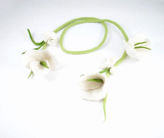 Wedding Collar White Flowers Necklace Felted Collar Flower Collar art jewerly nunofelt Nuno felt collar Art deco silk Fiber Art boho