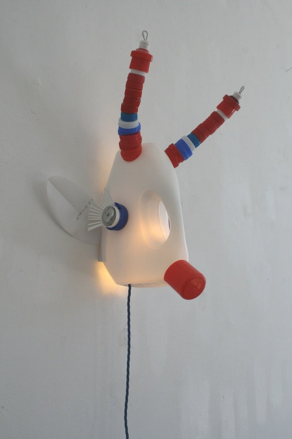 recycled plastic taxidermy light (Boki by KraalD)