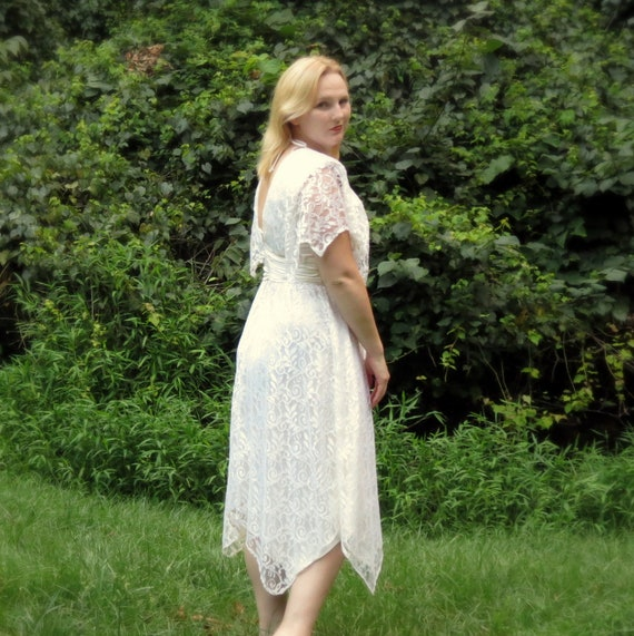 Short Lace Wedding Dress, Bohemian Wedding Dress, Vintage Boho Bridal Gown, Ivory, 1970s