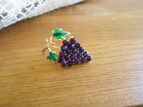 Vintage Pin, Brooch, Scatter Pin, Bunch of Grapes, Deep Purple Rhinestones, Green Enamel Golden, Gift Boxed - Vintage BreezyTownship 028