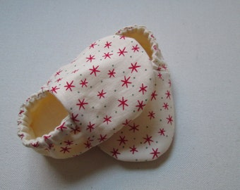Handmade Reversible Cotton Baby Booties/Shoes - Starry Night -- Red Stars with Cream Cotton Lining