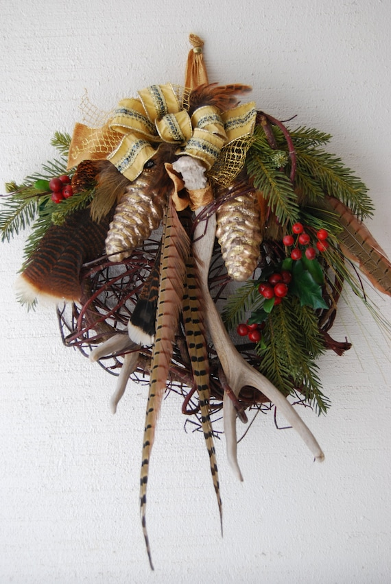 Christmas pinecones and antler wreath by designsbytinacollins for Antler christmas wreath